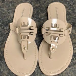 Women's size 8 Pierre dumas lily nude tan sandals